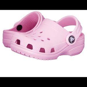Crocs Girls 2 3 2/3 Pink Classic Clog Lightweight